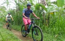 Ubud : balade en vélo et aprés midi libre (B-L)