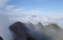 Ascension du volcan Sibayak et relaxation dans les sources chaudes (B)
