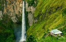De Brastagi à l'île de Samosir via cascade et villages traditionnels (B)