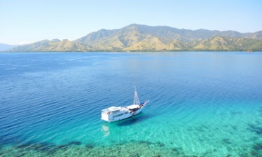 Cruise the Lesser Sunda islands