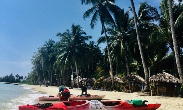 Kayaking  Sumatra : Villages, islands and orangutans